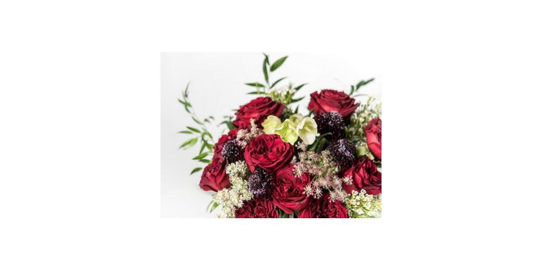 In trend: Revista VOGUE lanseaza o editie limitata de aranjamente florale